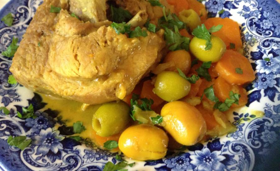 TounsiaNet : Tajine de Dinde Aux olives et Carottes