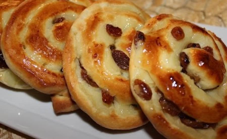 TounsiaNet : Brioche à la crème pâtissière et aux raisins secs