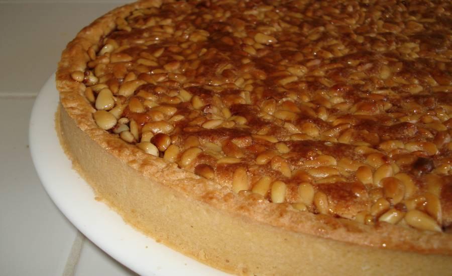 TounsiaNet : Tarte amande et pignons de pin (louz w bondo9)