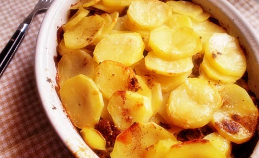 TounsiaNet : Pomme de terre à la viande hachée au four