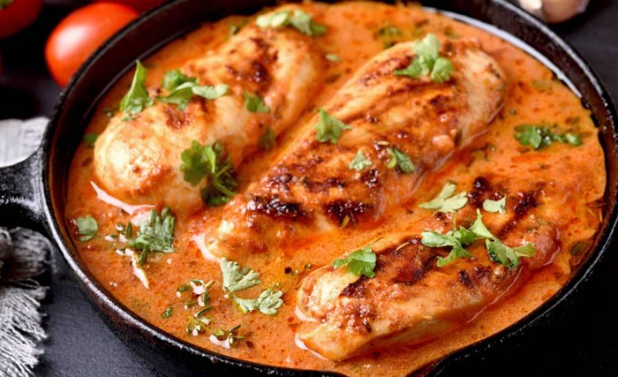 TounsiaNet : Poulet sauce à la crème et tomates