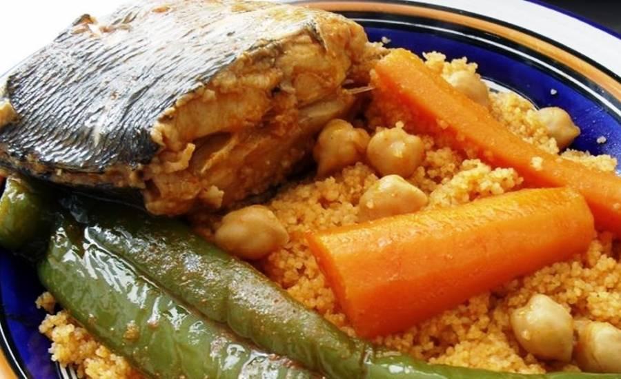 TounsiaNet : Couscous au poison loup de mer (9arouss)