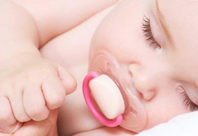 tounsia.Net : Faut-il donner une tétine à son bébé ?