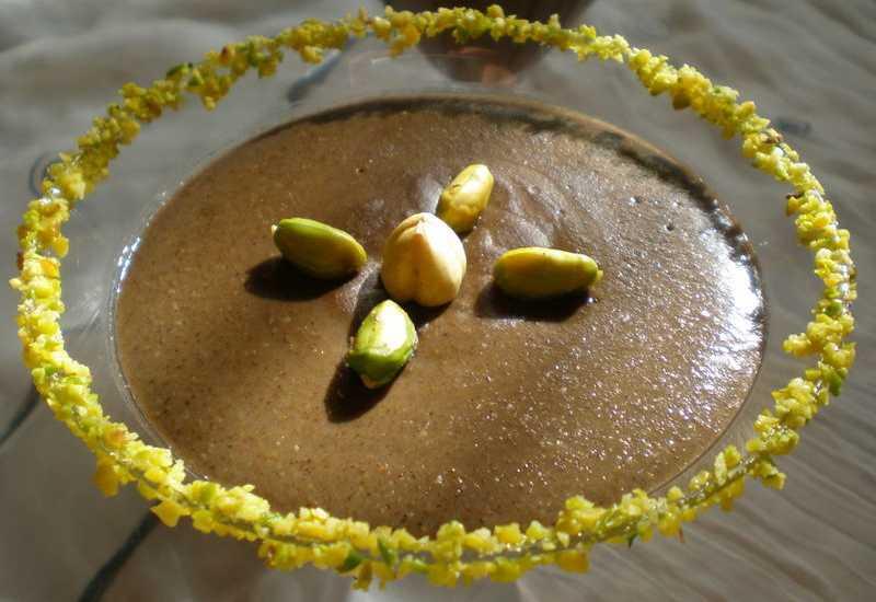 tounsia.Net : bouza aux graines de pin (zgougou)