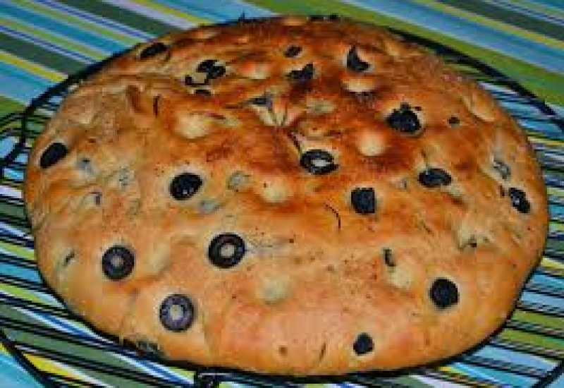 tounsia.Net : Focaccia aux olives noires & romarin