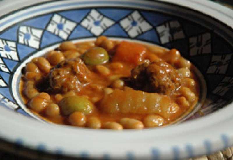 tounsia.Net : Market loubya au variantes et boulettes de viande