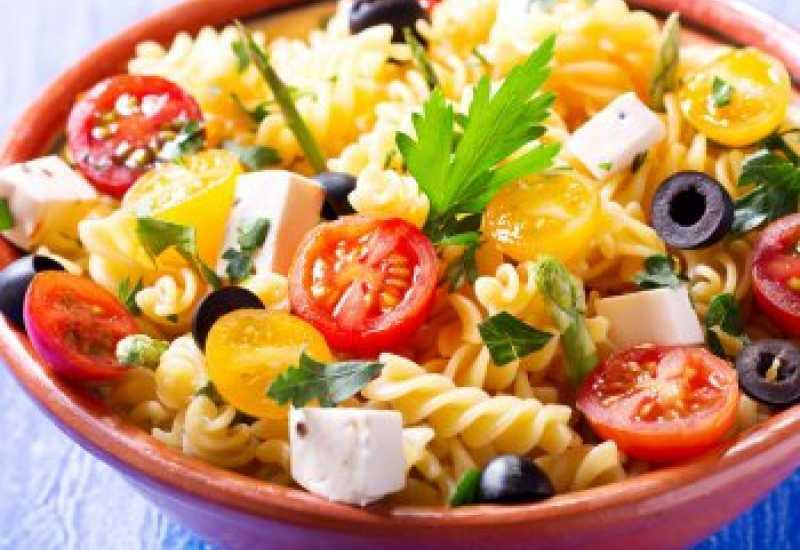tounsia.Net : Salade de pâtes aux tomates cerises