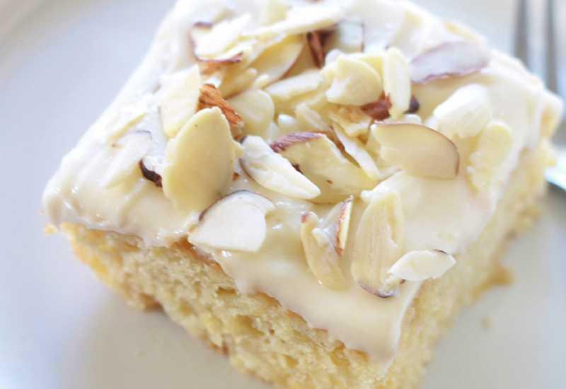 tounsia.Net : Gâteau à l'ananas moelleux et son glaçage au fromage