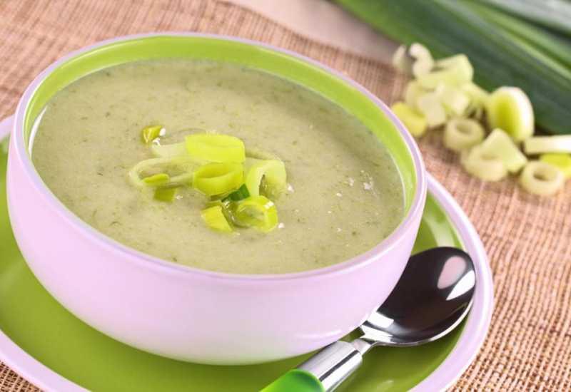 tounsia.Net : soupe de oignon vert et pommes de terre (bsal akhdher)