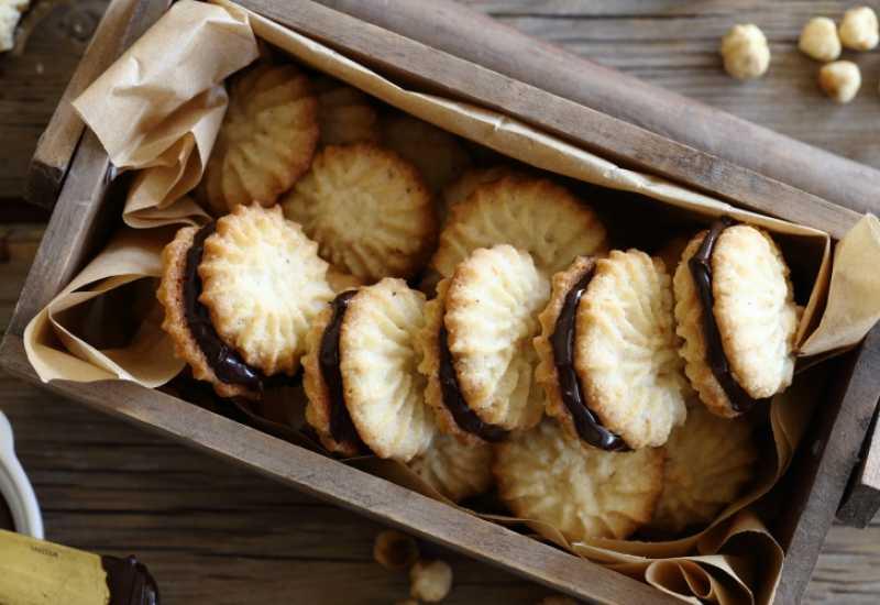 tounsia.Net : Petits fours aux noisettes fourrés au nutella