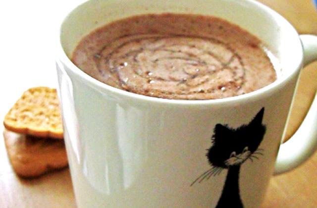 recette de p tisserie chocolat chaud maison de la cuisine tunisienne. Black Bedroom Furniture Sets. Home Design Ideas